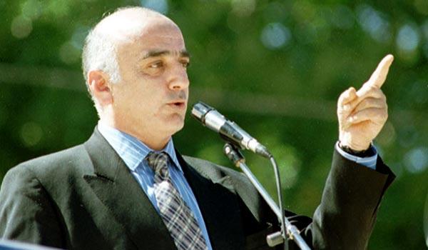 Վանո Սիրադեղյանին հրավիրում են Հայաստան