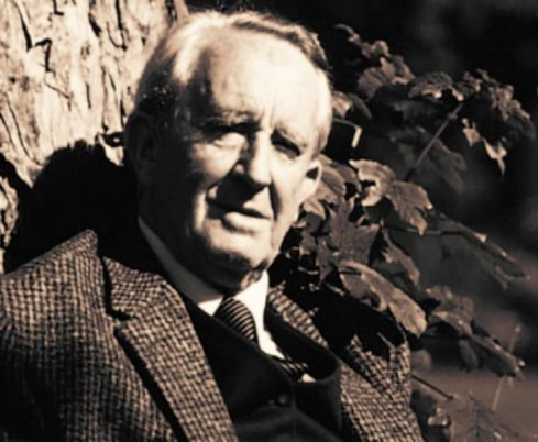 J-R-R-Tolkien-lord-of-the-rings-3072484-1024-768