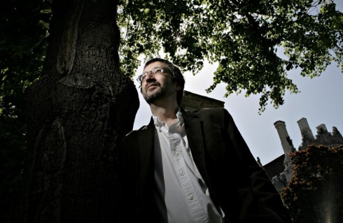 TORONTO, May 28th, 2007 --KAY-- Toronto author Guy Gavriel Kay loves the green and historic neighbourhood where he lives, on the doorstep of Toronto's Casa Loma. He was photographed with the towers of the Castle behind him on May 28th, 2007. For TORONTO story by Mark Medley Photo by Simon Hayter for National Post