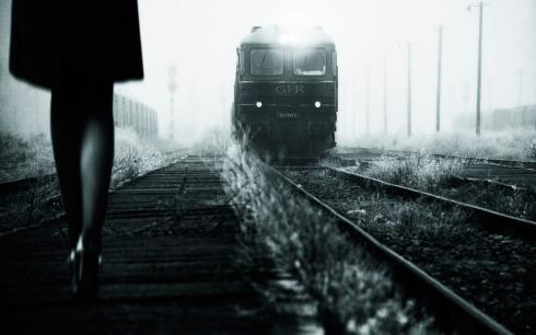 poezd-devushka-retro-foto-chb