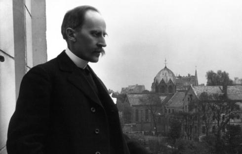 Romain_Rolland_au_balcon,_Meurisse,_1914